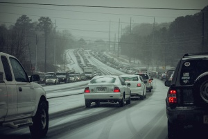 A traffic jam in snowy Woodstock, GA (Photo by William Brawley).