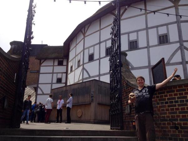 Dustin at the Globe in London with his newly acquired skull